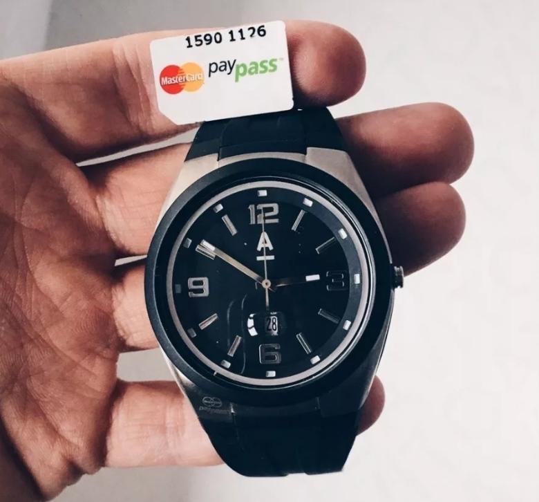 Часы Альфа-Банка PayPass для оплаты в одно касание